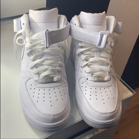 White Air Force ones High top sneakers